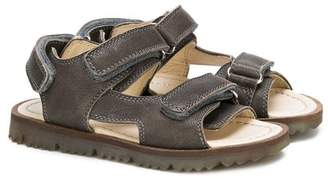 Montelpare Tradition touch strap sandals