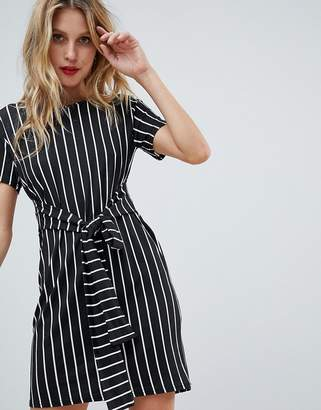 PrettyLittleThing Stripe Tie Waist T-Shirt Dress