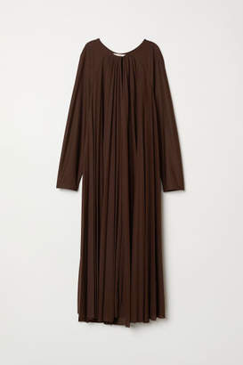 H&M Pleated Dress - Brown