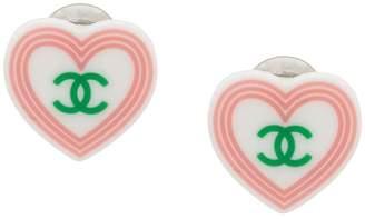 Chanel Pre-Owned heart logo earrings