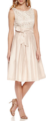 JESSICA HOWARD Jessica Howard Sleeveless Fit & Flare Dress $100 thestylecure.com