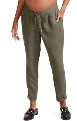 Ingrid & Isabel R) Under Belly Tapered Maternity Ankle Pants
