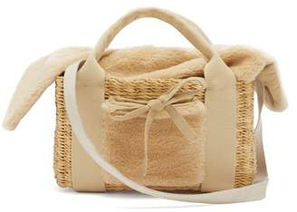 Muun Manon Shearling And Woven Straw Bag - Womens - Beige
