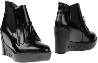 Alberto Guardiani Ankle boots - Item 11031641KA