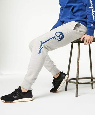Todd Snyder + Champion Champion Slim Graphic Jogger in Light Grey Mix