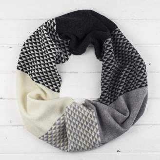 Miss Knit Nat Triangle Knitted Circle Scarf In Monochrome