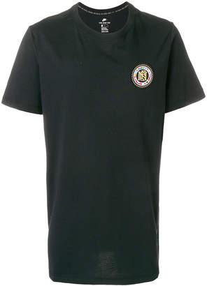 Nike FC Flag Crest T-shirt