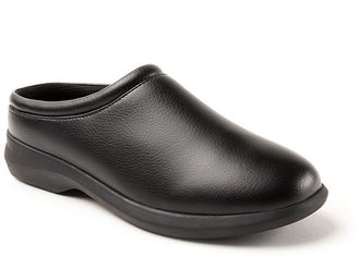 Deer Stags Beatrice Women's Clogs $50 thestylecure.com