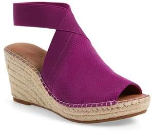 Kenneth Cole GENTLE SOULS SIGNATURE Gentle Souls by Colleen Espadrille Wedge