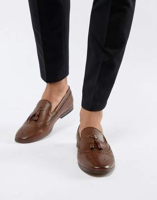 New Look Faux Leather Loafers With Embossed Detail In Tan