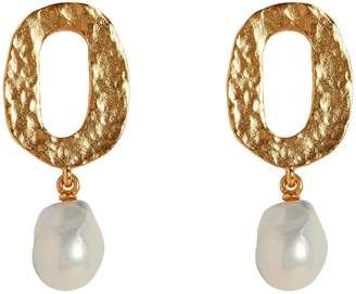 Oscar de la Renta Baroque Pearl Hammered Gold Earrings