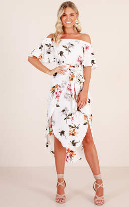 Showpo Snow Bird dress in white floral - 6 (XS) Casual Outfits