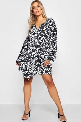 boohoo Plus Kimono Detail Dress