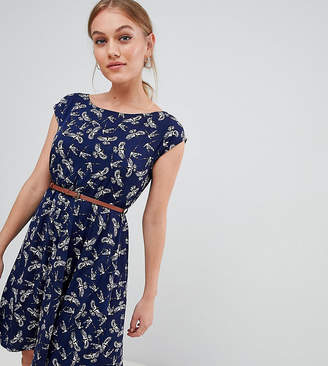 Yumi Petite belted dress in bird print