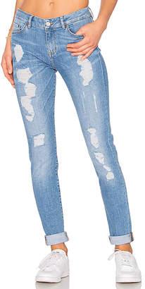 Tommy Hilfiger TOMMY X GIGI Venice Jeans.