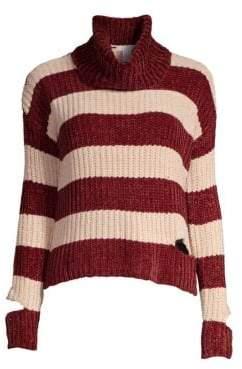 Design History Peak-A-Boo Turtleneck Sweater
