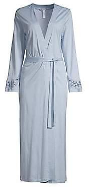 Hanro Women's Aurelia Embroidered Wrap Robe