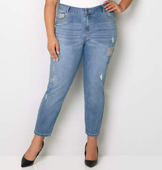 Avenue Crochet Patch Crop Jean