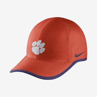 Nike College AeroBill Featherlight (Arkansas) Adjustable Hat