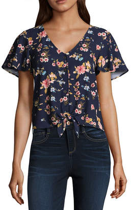 fe2e41bb285 ... Arizona Short Sleeve V Neck Woven Floral Blouse-Juniors