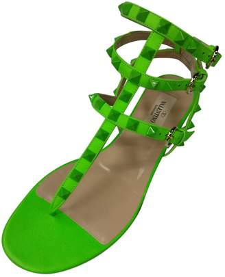 Valentino Rockstud Green Leather Sandals