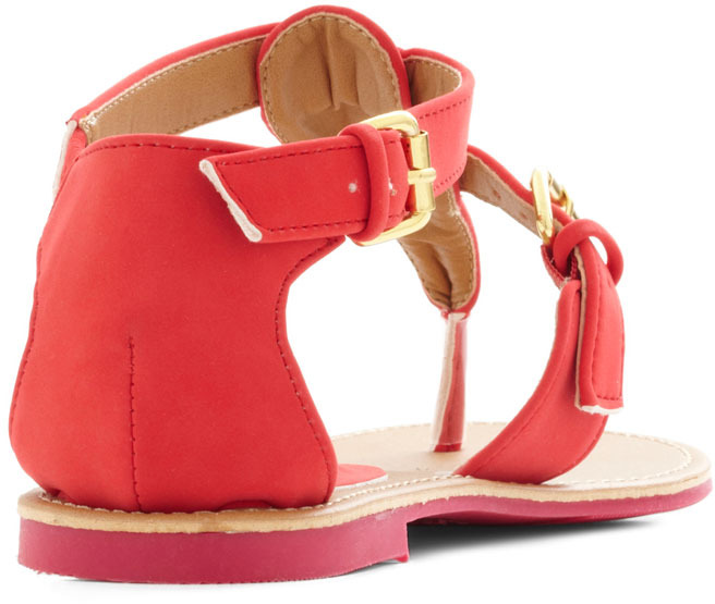 Travel Blogger Sandal in Poppy