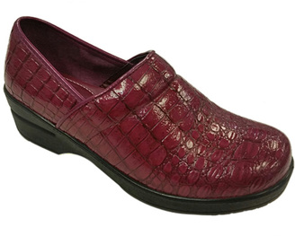 Berry Scale Embossed Dallas Clog $28 thestylecure.com