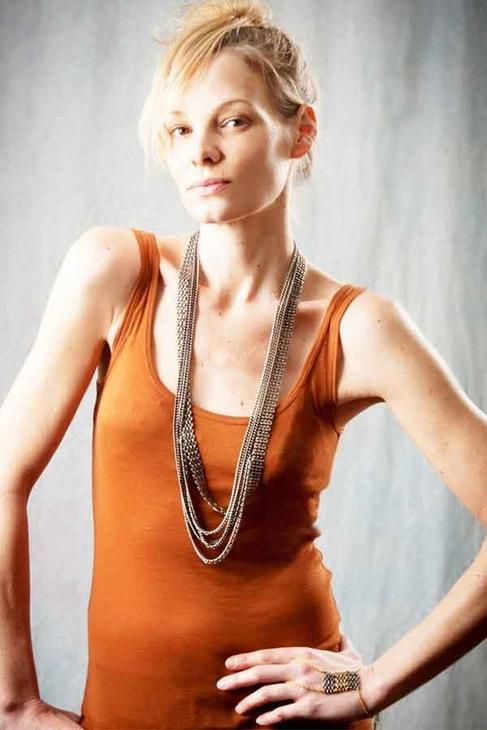Louise Manna Lamina Glove-Bracelet in Black and Gold