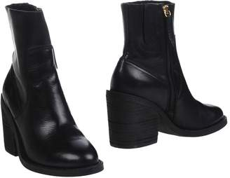 Windsor Smith Ankle boots - Item 11270307LS