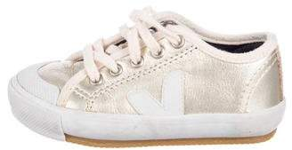 Veja Girls' Patent Leather Low-Top Sneakers