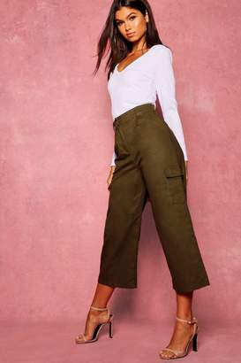boohoo Cropped Wide Leg Cargo Pocket Trousers