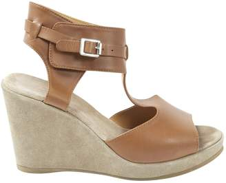 A.P.C. Camel Leather Sandals