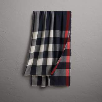 Burberry The Lightweight Check Cashmere Scarf