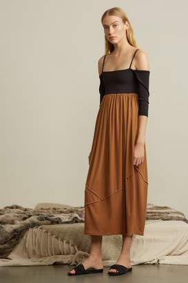 Genuine People Off-Shoulder Stretch Slip Dress