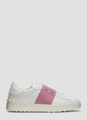 Valentino Rockstud Untitled Sneakers in Pink