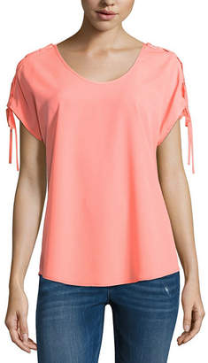 BELLE + SKY Short Sleeve Crew Neck Woven Blouse
