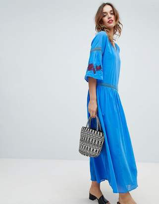 Sisley Embroidered Flower Maxi Dress