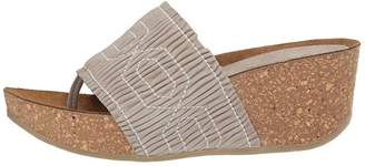 Donald J Pliner Gess Wedge