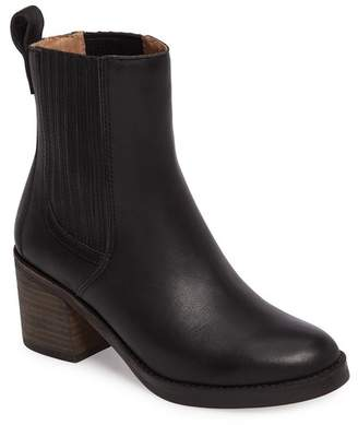 UGG Camden Leather Chelsea Boot