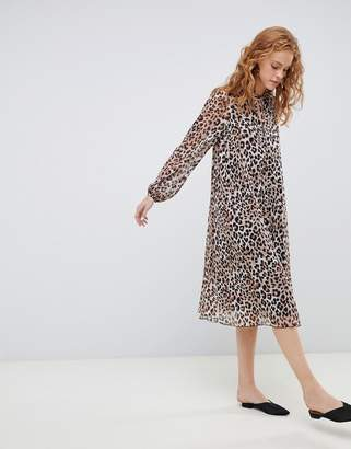 6f0e90f80e Asos Design DESIGN pleated trapeze midi dress with long sleeves in leopard  print