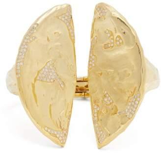 Patcharavipa - 18kt Gold And Diamond Split Cuff - Womens - Gold