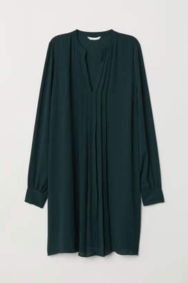 H&M Pleated Dress - Green