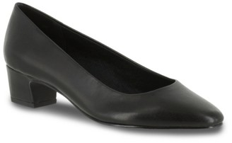 Easy Street Shoes Prim Pump