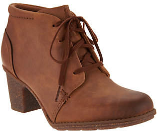 Clarks Leather Lace up Ankle Boots -Sashlin Sue