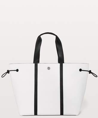 Lululemon Day Out Tote *16L