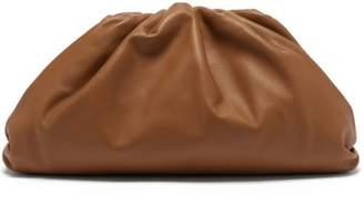 Bottega Veneta The Pouch Gathered Leather Clutch Bag - Womens - Tan