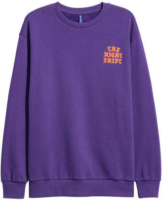 H&M Sweatshirt with Printed Motif - Purple
