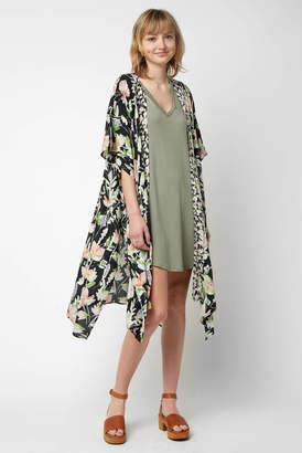 Saachi Floral Border Robe Kimono