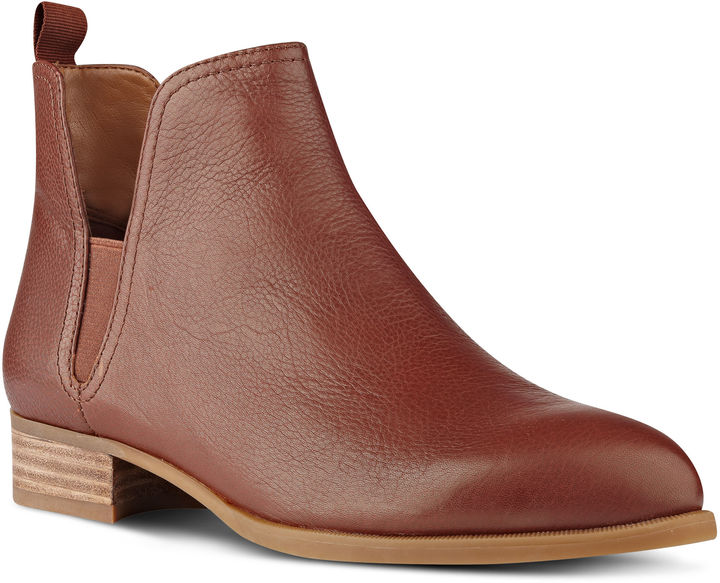 Nine West Nesrin Booties