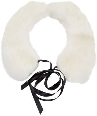 Non Signé / Unsigned Non Signe / Unsigned White Mink Necklace
